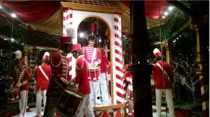 twelve-drummers-drumming